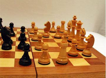 Imagen de Caja-tablero de ajedrez Nº 8 c/fichas